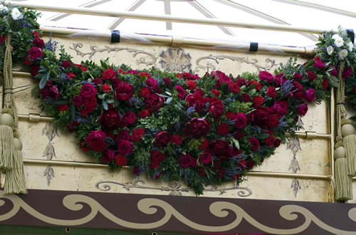 Garland of Roses for the Queen