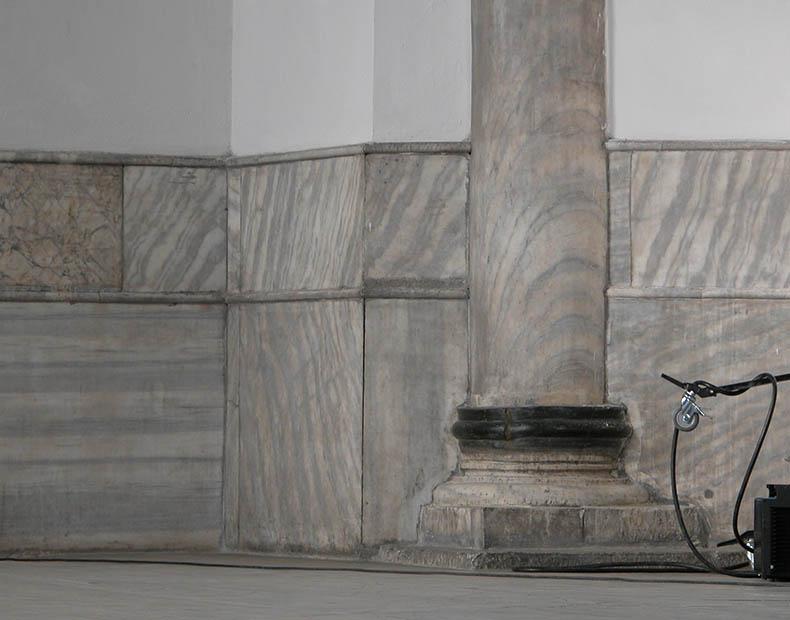 Column embedded in pier Hagia Sophia