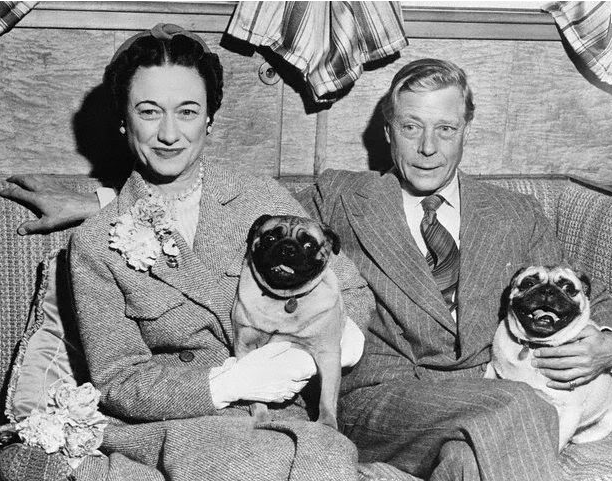 Wallis and Edward Windsor with pugs