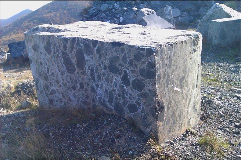 block - verde antico - quarry