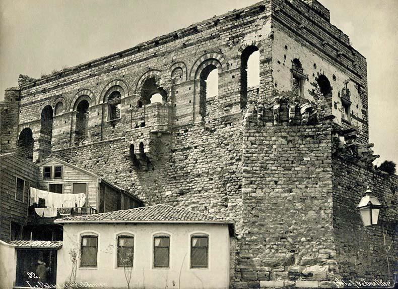 Facade of Tekfur Sarayi