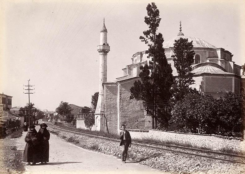 Kuyuk Ayasofya train tracks