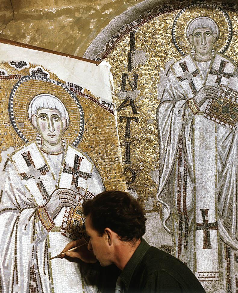 Painting a replica mosaics Hagia Sophia