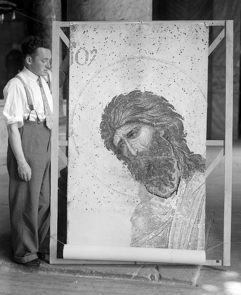 Artist who painted replica of the Deesis in Hagia Sophia