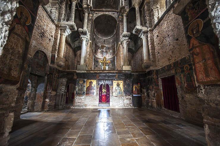 interior - Church of the Parigortissa Arta