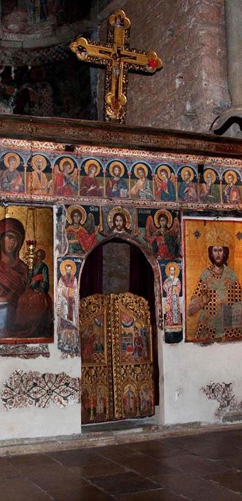 iconostasis in the Parigortissa Arta